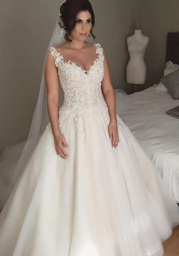 Tulle Floor-Length Ball Gown Sleeveless Sweetheart Covered Button Wedding Dresses / Gowns With Appliqued
