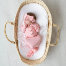 Load image into Gallery viewer, Knotted Baby Gown and Hat Set - Pink