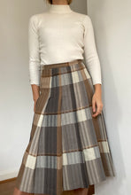 Load image into Gallery viewer, Anne skirt - a Jaeger original