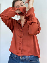 Load image into Gallery viewer, Jane - A Droopy & Browns silk shirt