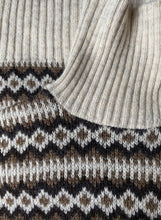 Load image into Gallery viewer, Scandinavian neutral wool knit roll neck