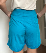 Load image into Gallery viewer, Turquoise vintage high waisted culottes - Waist 29 inches
