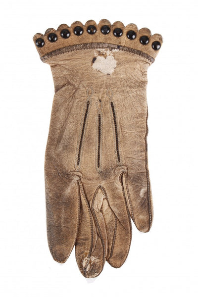 Minnie Warren's leather gloves