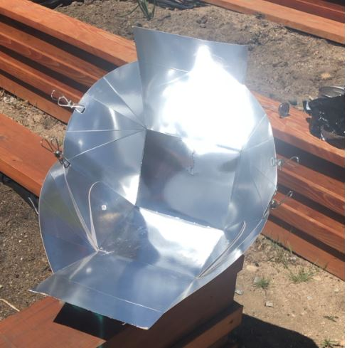 Solo - A solar cooker for one
