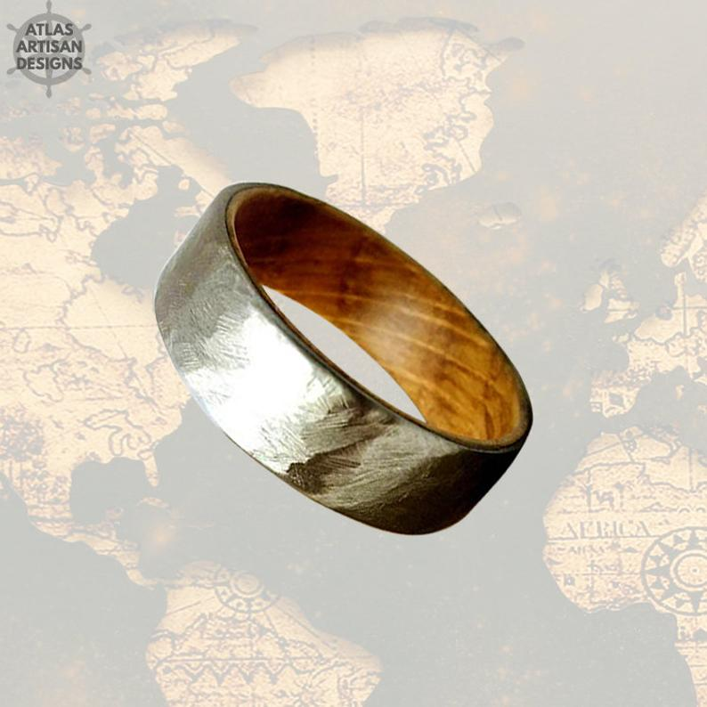 Hammered Whiskey Barrel Ring Mens Wedding Band Wood Ring, Silver Wedding Band Mens Ring, Whisky Barrel Ring Wood Wedding Band Hammered Ring - Atlas Artisan Designs