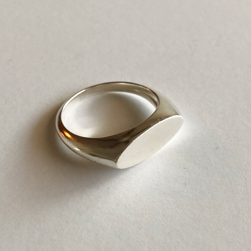 Oval Signet Ring in Silver