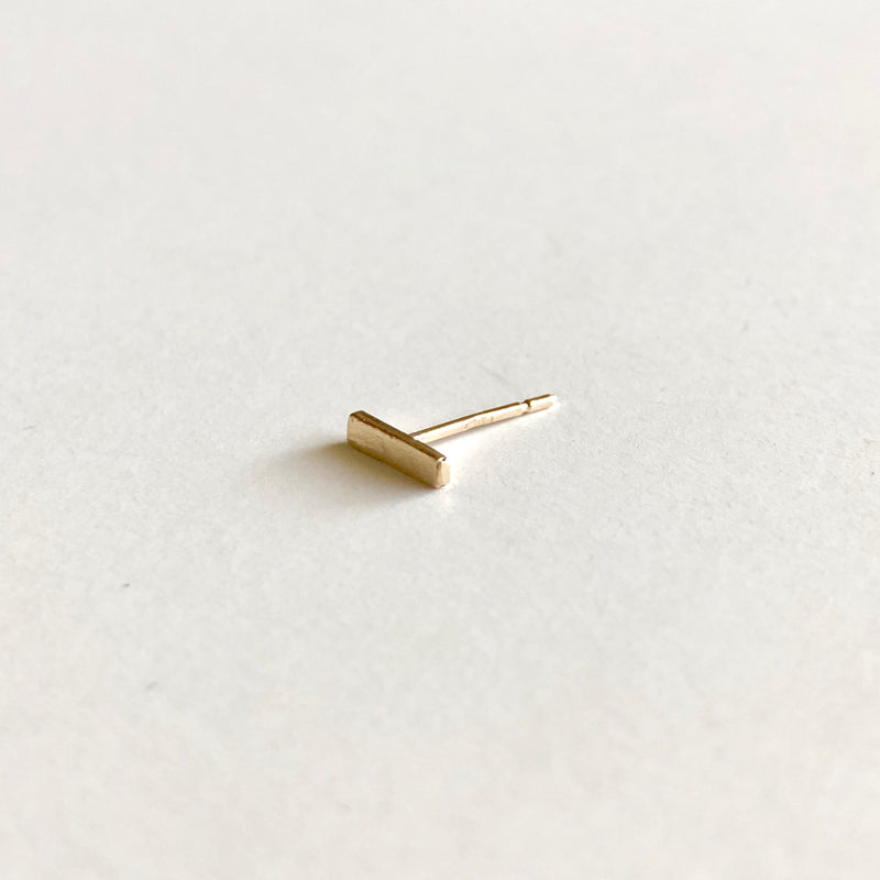 Line Stud Earring in 14k Gold