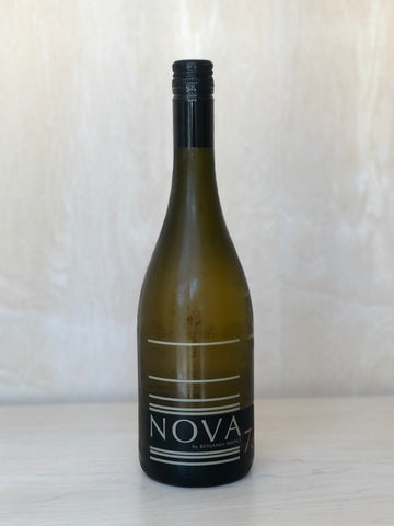 Benjamin Bridge - Nova 7 (Spritzy White Wine) / 750mL