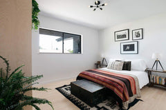 modern black and white california style bedroom decor