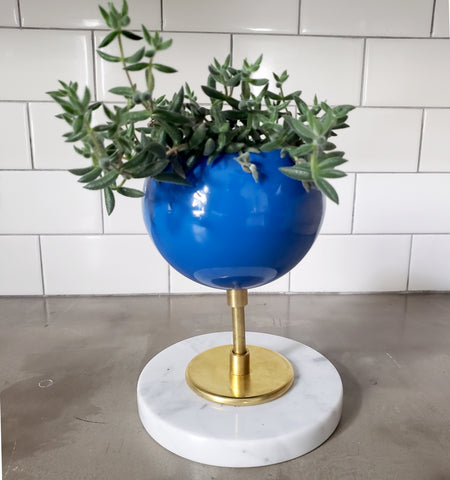 Raised Marble Loa Planter