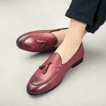 Load image into Gallery viewer, Unisex Large Size Artificial Leather Tassels Flat Heel Non-slip Oxford Shoes