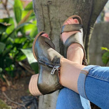 Load image into Gallery viewer, Olive Green Chunky Heel Faux Leather Summer Sandals