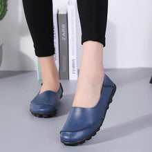 Load image into Gallery viewer, Women Large Size Split Artificial Leather Panel Flats Slip On Shoes