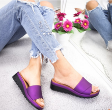 Load image into Gallery viewer, Women's Round Toe Middle Wedge Heel Slippers