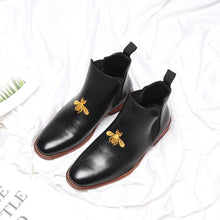 Load image into Gallery viewer, Fashion sleeve bee embroidered Martin boots casual men's shoes