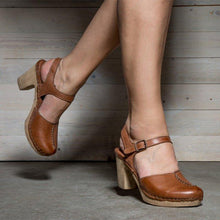 Load image into Gallery viewer, Brown Vintage Ankle Strap Buckle Chunky Shoes