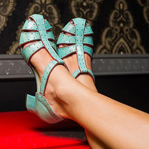 Women Closed Toe Cut Out T-Strap Sandals