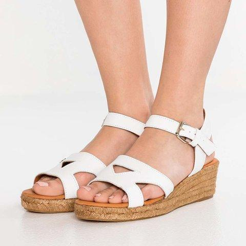 Hollow Straw-Weaved Wedges Platform Sandals