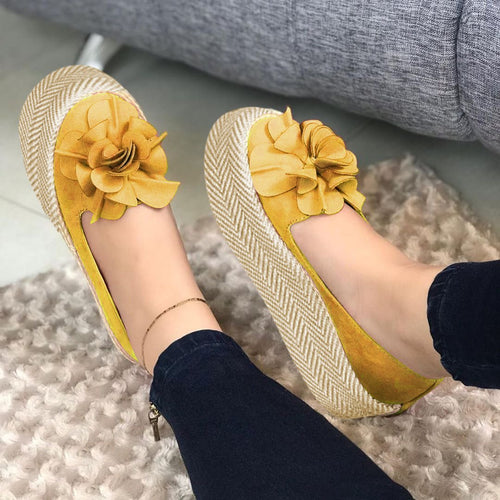 Flocking Straw-Weaved Platforms Flower Loafers