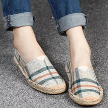 Load image into Gallery viewer, Large Size Women Canvas Shoes Color Block Slip-on Causal Comfort Loafers Flats