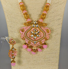 Load image into Gallery viewer, Necklace & Earrings Set: Pearls & Stones