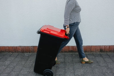 From 1 October 2020 Napier's rubbish will no longer be collected in single use black plastic bags.