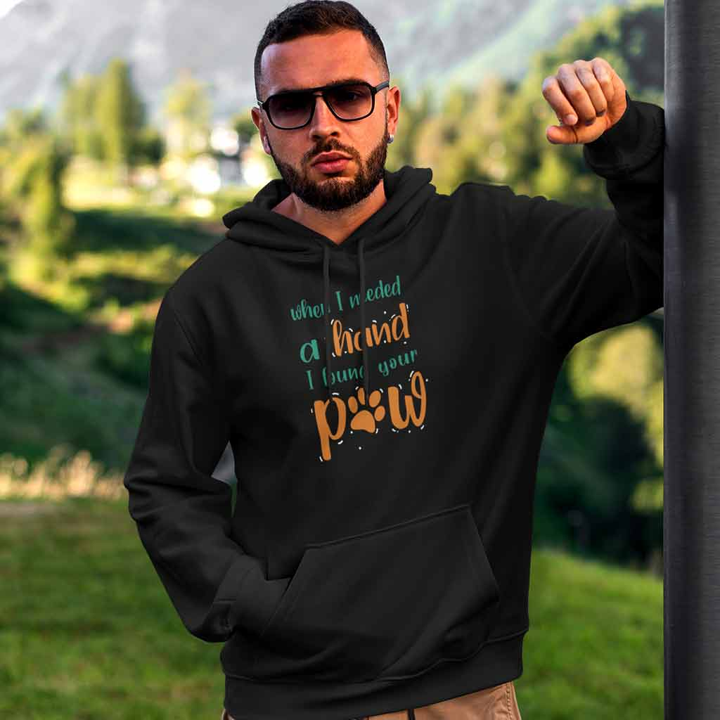 black-winter-hoodies-for-men-bearded-man-wearing-at-the-countryside