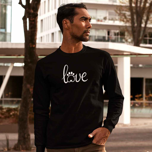 full-sleeve-t-shirt-onlineserious-man-wearing-a-customizable-long-sleeve-tee-in-the-city