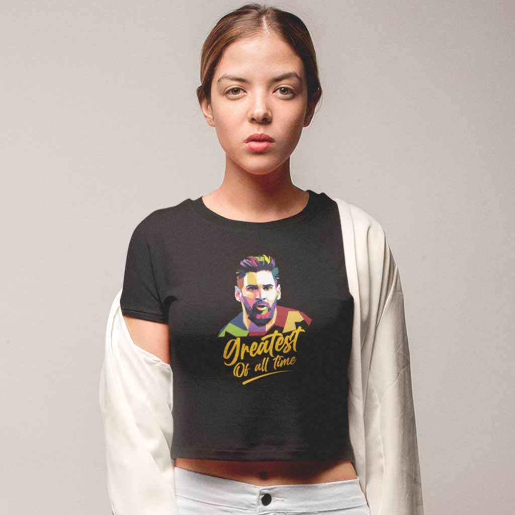 girl-wearing-a-crop-top-tshirt-black-i-am-messi-fans