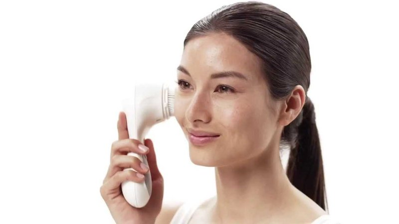 8 Reasons You Need Clarisonic ASAP