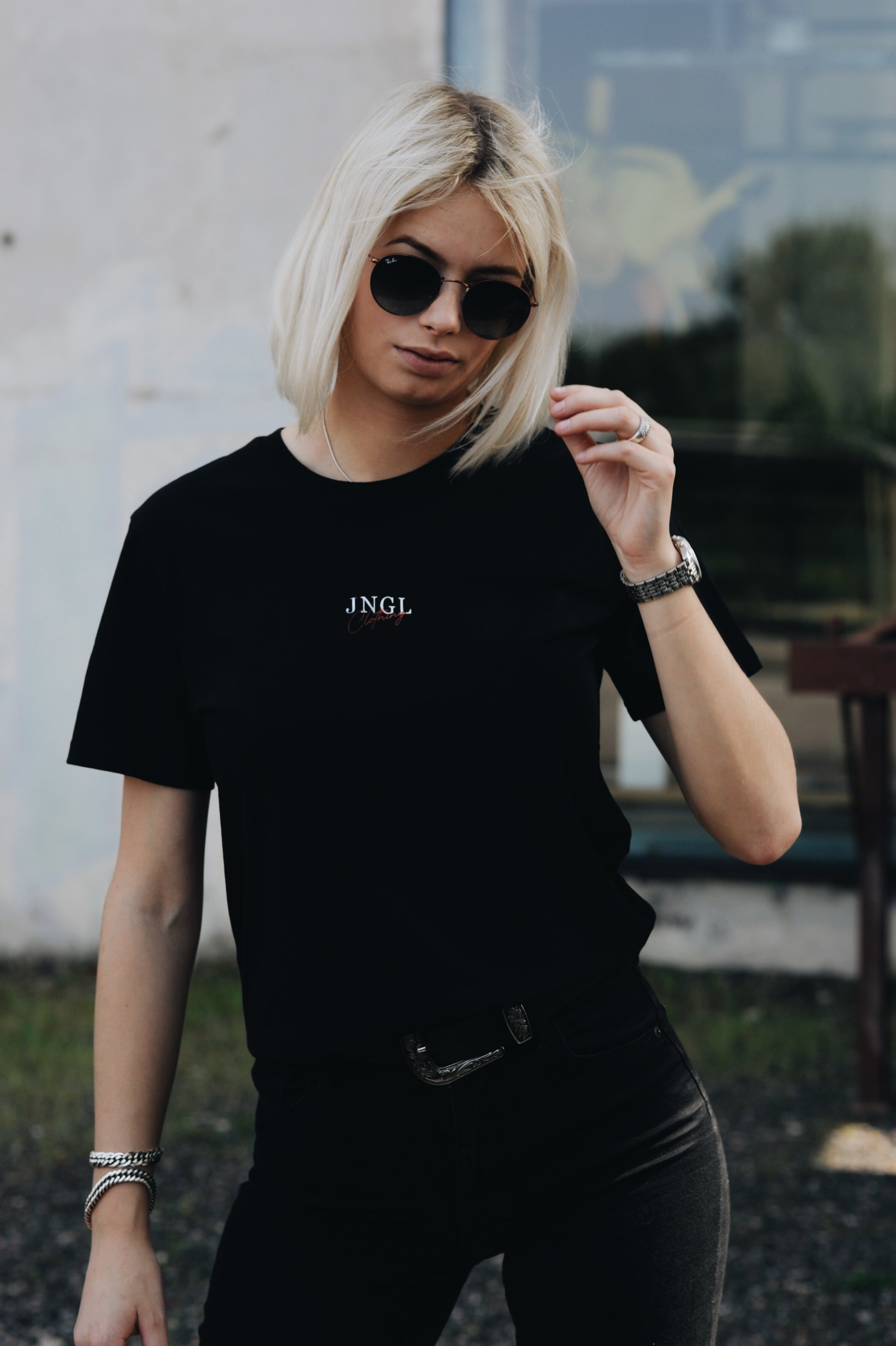 JNGL Clothing - Surflife T-shirt - Black - Front of the model