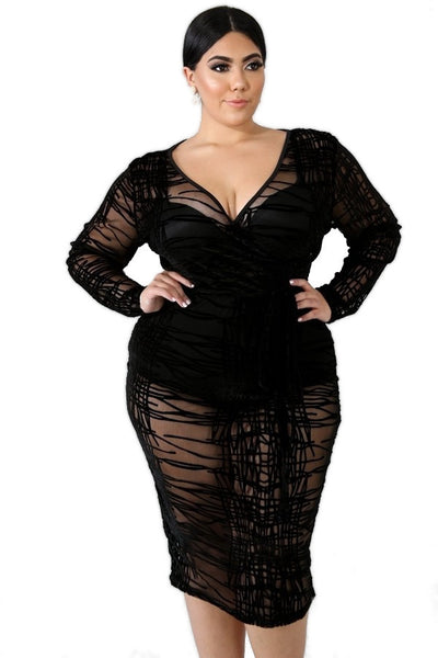 PLUS SIZE BLACK ABSTRACT DRESS - Shoenanigan