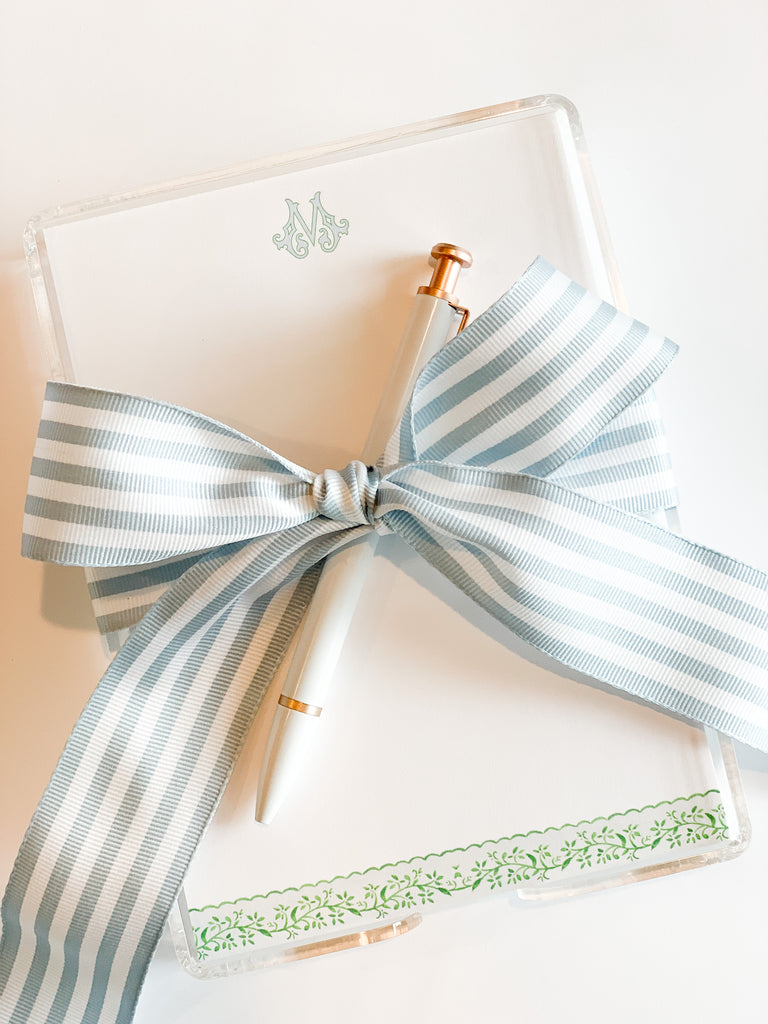 The Tiny Tag Co. Green scalloped notecards.