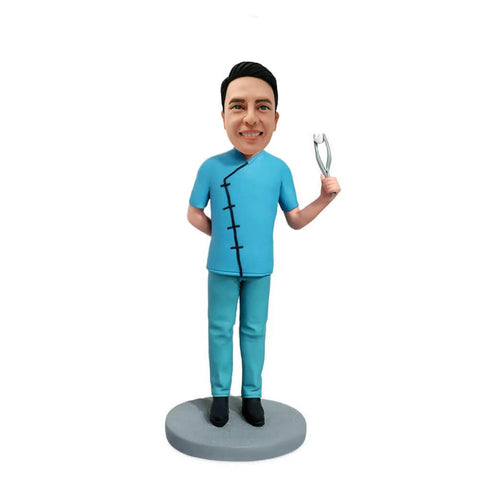 Dentist Holding Pliers Bobblehead