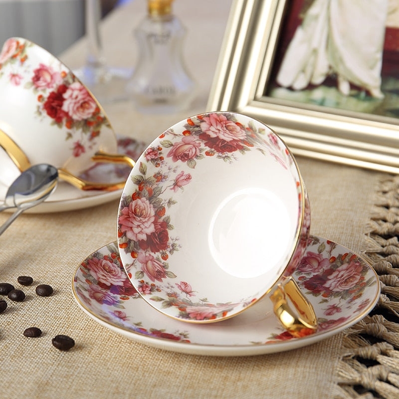 Advanced Royal Bone China Tea Cup Set Coffee Cup And Saucer Beautiful Lover Couple set Drinkware
