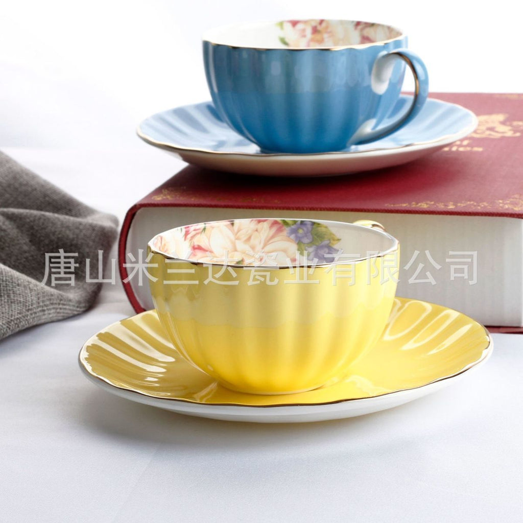 Colourful Bone China Pumpkin Coffee Cup Dish Phnom Penh Ceramics Xicaras Suit Cushaw Shape Sobretudo
