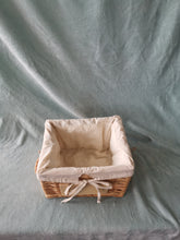 Load image into Gallery viewer, Willow Ashes Casket - Myrtle