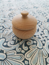Load image into Gallery viewer, Acorn Ash Urn/ Keepsake/ Pet Urn