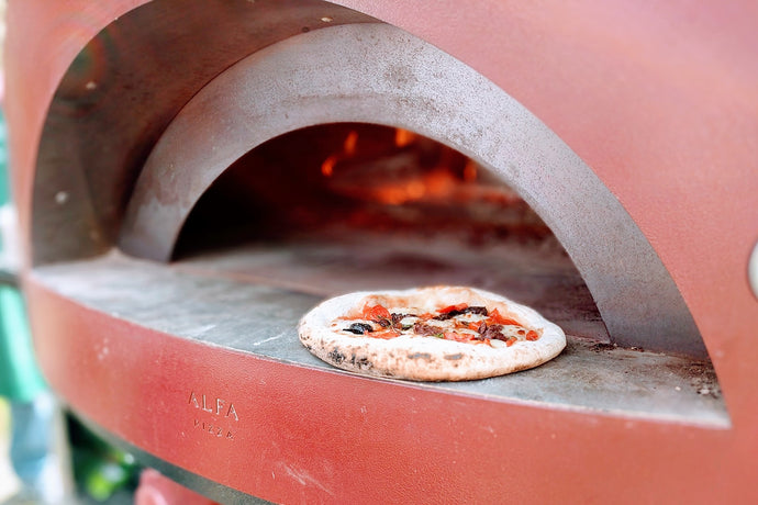 4 Types of Pizza Ovens and How They Work