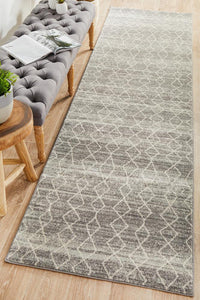 Evoke Remy Silver Transitional Runner Rug