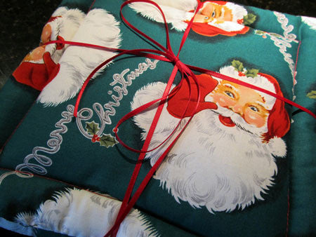 Millie's Potholders: Santa Claus (set of two)