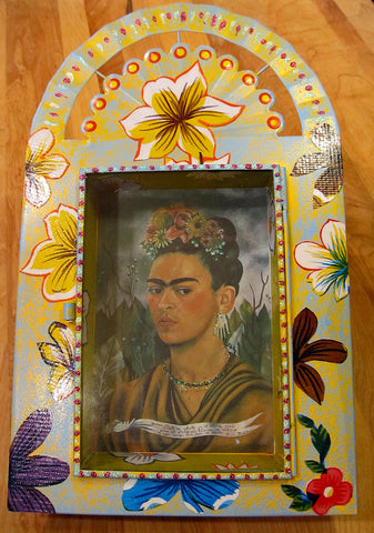 Tin Nicho: Frida with Flowers