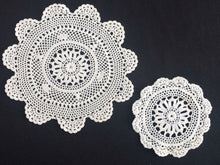Load image into Gallery viewer, A Pair of White Round Vintage Crocheted Cotton Lace Doilies
