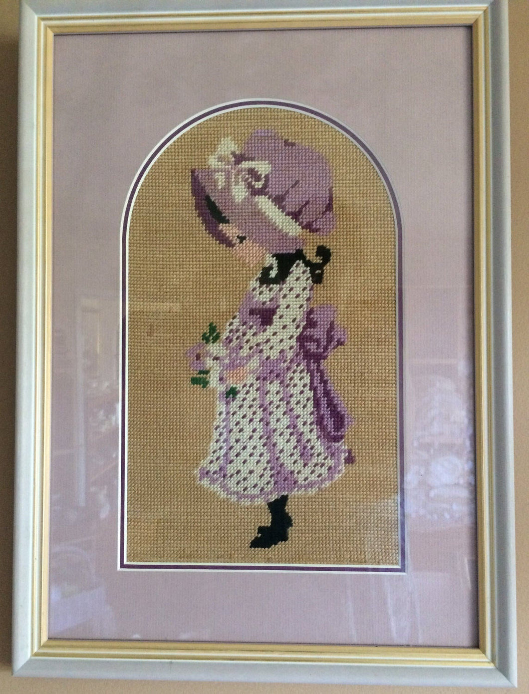 Framed Vintage Tapestry Sunbonnet Sue Gobelin Picture. Needlepoint Picture in Gilded Whitewashed Wooden Frame