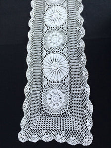 Vintage Crocheted White 3 D Flowers Patterned White Chunky Cotton Crochet Lace Table Runner