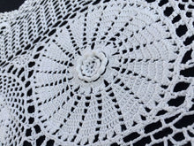 Load image into Gallery viewer, Vintage Crocheted White 3 D Flowers Patterned White Chunky Cotton Crochet Lace Table Runner
