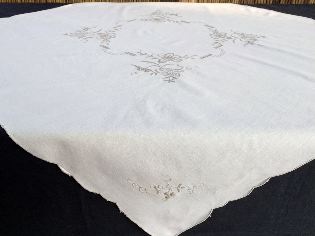 Ajour (Openwork) Embroidered Vintage Ivory/Ecru Cotton Linen Tablecloth