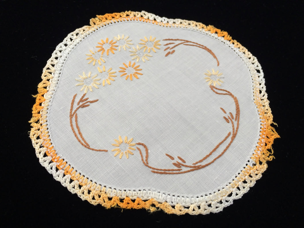 1930/40s Vintage Embroidered Doily with Yellow Brown Floral Design and Variegated Yellow Crochet Lace Edging