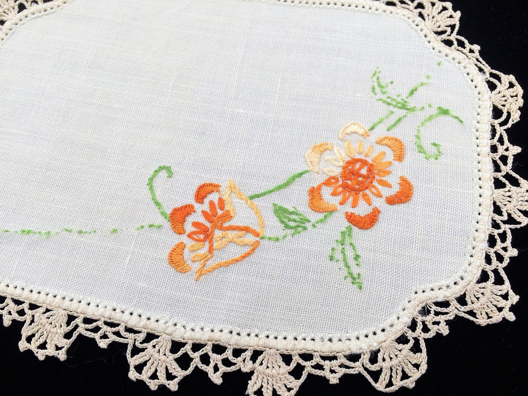 Sandwich Doily. Linen Doily. Oval Doily. Vintage Embroidered Off White Linen Doily with Orange Flowers and Ivory Crochet Lace Edging