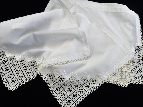 Set of 6 Unused Vintage Machine Embroidered Cotton Blend Napkins with White Crochet Lace Border and Corners